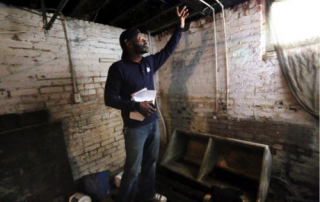 Akbar Tyler, an inspector with Environmental Health Watch, visits homes in Cleveland to check for mold, lead paint, standing water, roaches, animal droppings--anything that would be an asthma trigger or health hazard. Photo: The Plain Dealer